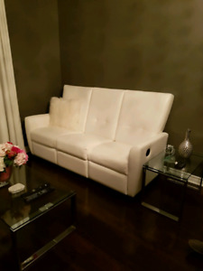 White leather recliner couch - Maison Corbeil