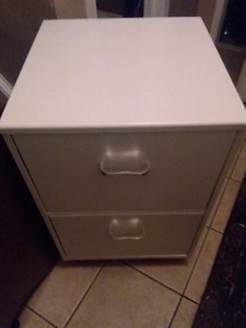 Fileing cabinet