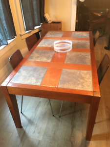 Beautiful, well constructed custom-made dining table + 4 chairs
