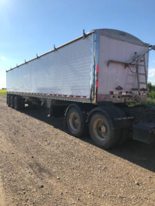 2012 Wilson 48ft triaxle grain trailer