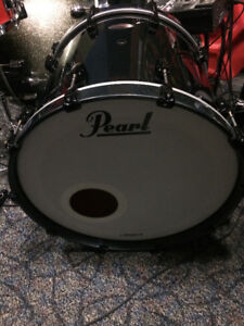 "Pearl Reference 22"" Bass Drum - Like new"