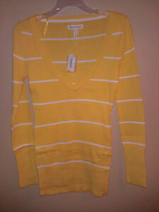Aeropostale Women's yellow cable knit sweater Size Small NWT