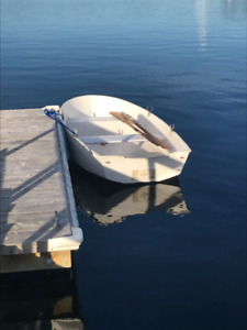 9' tender with oars