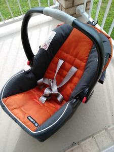 Graco Snugride Click Connect 35 Infant Car Seat With Two Bases