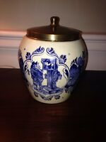 Vintage Holland blue and white Delft tobacco jar
