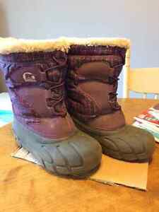 Sorel winter boots for girls. Size 1