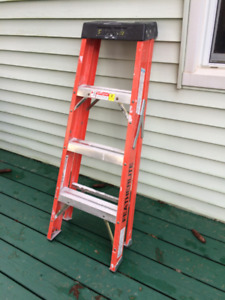 4 ft step ladder fiberglass