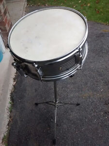 Snare Drum, Stand, sticks and brushes