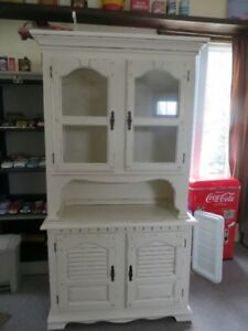 antique white kitchen hutch