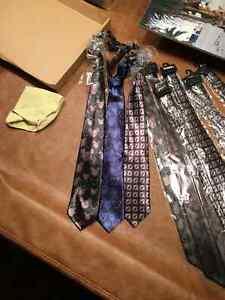 Lot de 10 cravattes Disney