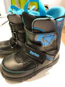 Burton GROM size US4 Youth excellent Condition Snowboard boots