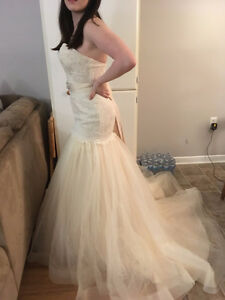 Alfred Angelo Mermaid Vintage Lace Wedding Dress (New with Tags)