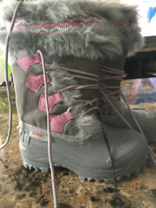 New girls boot size 11