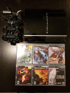 PS3, 2 manettes, chargeur, Uncharted 1-2-3, Resident Evil 5, Med