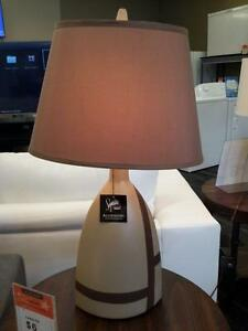 *** USED *** ASHLEY MIA LAMP (2/CN)   S/N:51194850   #STORE212
