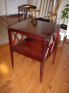 Living Room END TABLE mahogany – with shelf