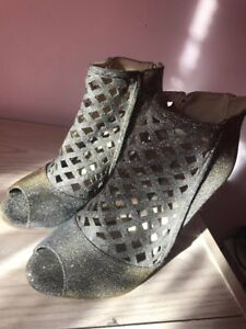 """Beautiful Sparkle Shoes in """"Gladiator"""" Style"""