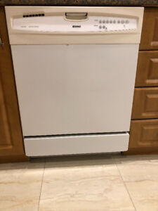 TO SELL : APPLIANCES - DISHWASHER