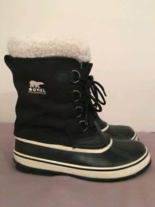 Women's Winter Carnival Sorel Boots, Black/White, Size 10