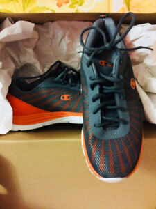 Sport Shoes, Brand new from US, Size 10, Mens