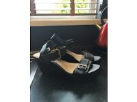 New size 5 wedge sandals