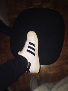 Souliers Adidas Superstar/ Adidas shoes