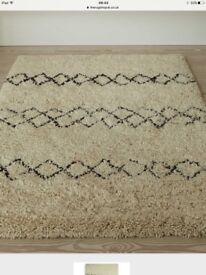 RUG NEW DESIGNER EXTRA THICK SHAG PILE CHECK IT OUT ONLINE OVER £400 BARGAIN £95 reduced