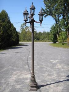 Lampadaire en fonte d'aluminium