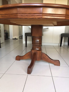 ROUND DINING TABLE SOLID OAK