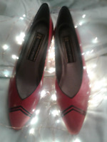 ARE YOU LOOKING FOR LADIES--NARROW 2AA-- SHOES IN SIZE 8 1/2
