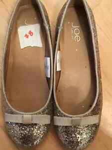 Girls Shoes (Size 2-3) Edmonton Edmonton Area image 3