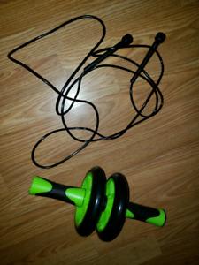 Ab roller n jump rope