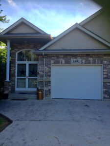 Townhouse for Rent -- Banwell North of Tecumseh Rd. area