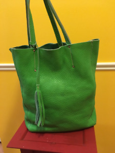 """Like New Roots All Leather Large Tote Bag 15""""x11""""x5"""""""