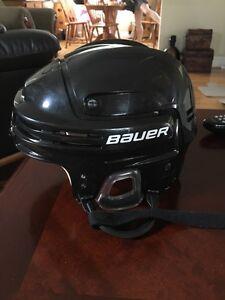 Bauer black hockey helmet