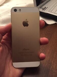 Good condition iPhone 5s 32gb with rogers cracked front screen  West Island Greater Montréal image 3