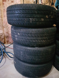 215/60R/16  Tires with or with rims.