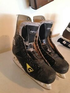 2 SETS OF MEN'S HOCKEY SKATES, SIZE 9 (SALMON ARM, BC)