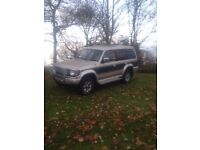 Mitsubishi pajero exceed 2.5td manual 7 seater top spec winter pack etc