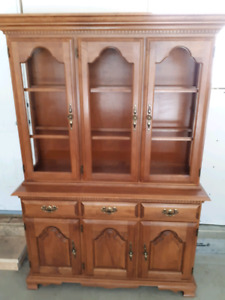Maple China cabinet/free delivery