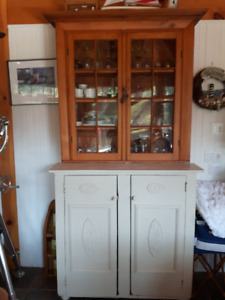 ANTIQUE FRENCH CANADIAN FLAT TO THE WALL KITCHEN HUTCH