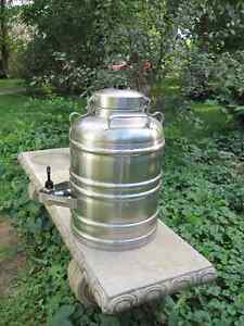 3 Gallon Stainless Steel Thermal Beverage or Water Container Kingston Kingston Area image 5