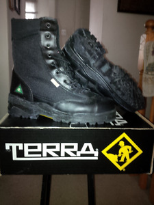 Terra Hi-Top Steel Toe Construction Boots with green patch