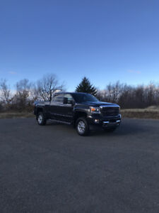 2015 GMC SIERRA SLT 2500 LOADED WITH ALL OPTIONS