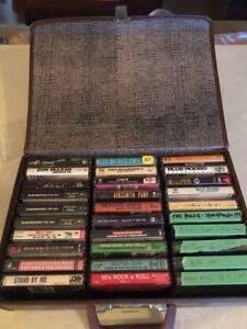 30 cassettes tapes