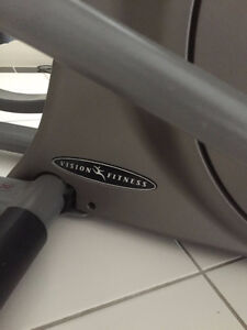 Elliptical - Vision Fitness HRT X6200 North Shore Greater Vancouver Area image 4