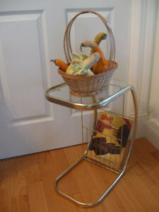 CLASSY VINTAGE BRASS / GLASS END TABLE / MAGAZINE RACK COMBO