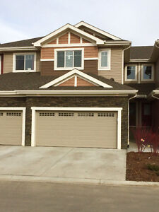 Beautiful New Townhome on the Links Golf Course!