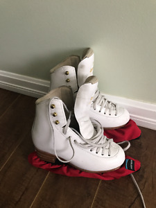 Jackson freestyle figure skate with brand new Ultima Mirage blad