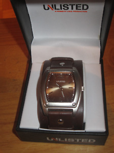 "KENNETH COLE "" UNLISTED "" DESIGNER WATCH"